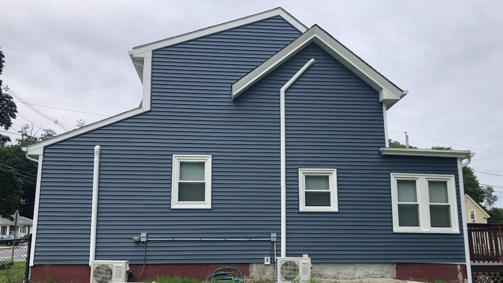Replacement siding contractor